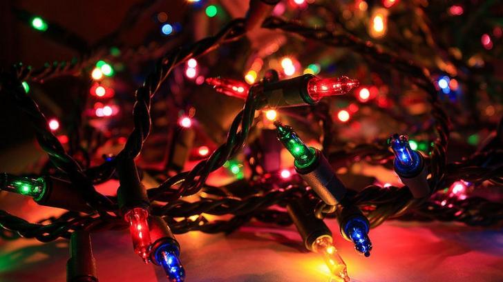 SĂRBĂTORI FERICITE! Mesaje de Crăciun: Idei pentru SMS isteţ