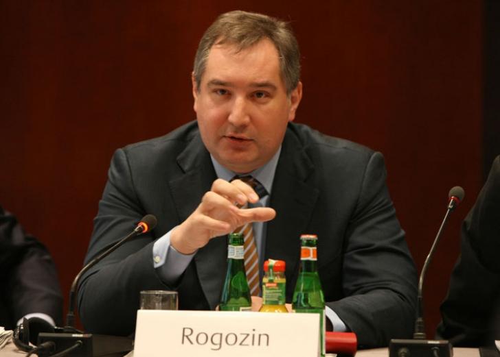 Rogozin, ilegal deasupra spaţiului aerian al României. El are interdicţie de a intra în UE