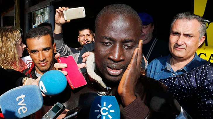 Surpriză incredibilă pentru un refugiat senegalez în Spania. Ce s-a întâmplat înainte de Crăciun