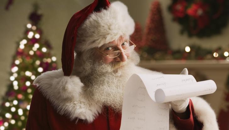 Cum se sărbătoreşte Crăciunul în jurul lumii. Povestea Moşului care le aduce daruri copiilor