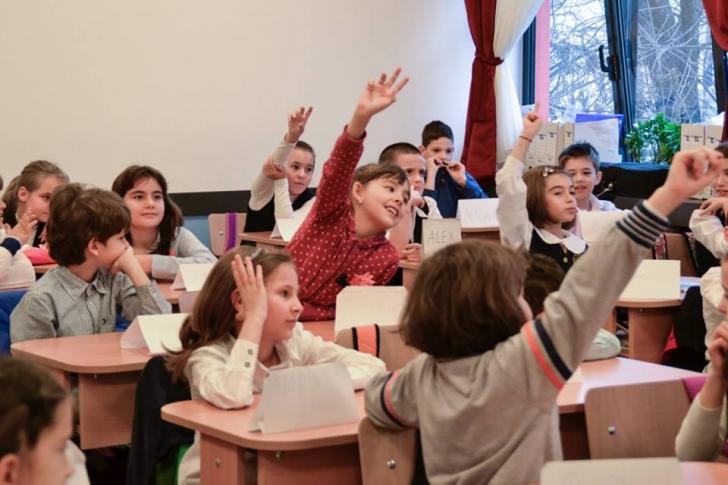 """Proiect educational """"Ora de Educatie Rutiera"""". Cunosc elevii regulile de circulatie"""