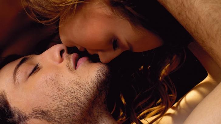 Horoscop: Zodia care sărută cel mai bine