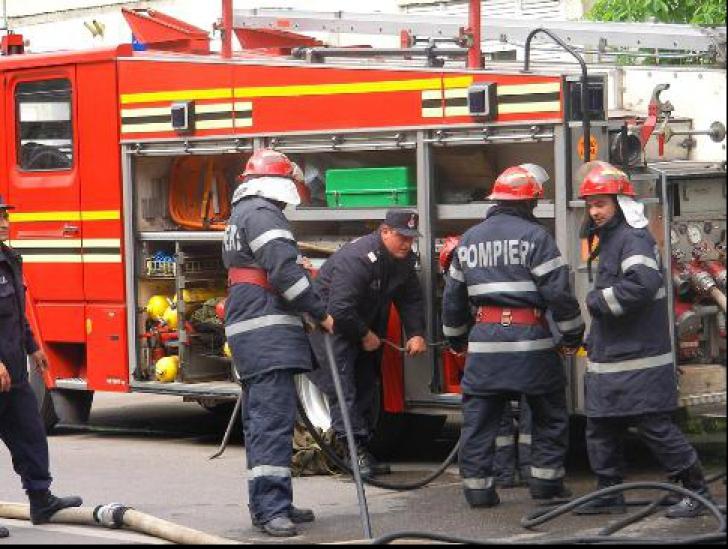 Exercițiu ISU la Aeroportul Henri Coandă: Se simulează situații de urgență în cazul unui accident
