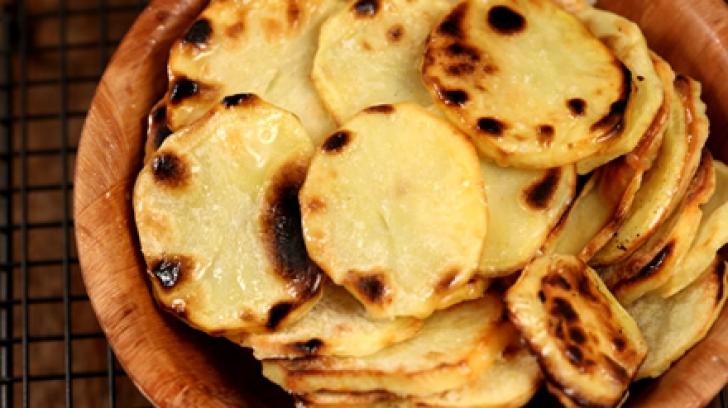 Cum faci scrijeluţe de cartofi, chipsuri ţărăneşti delicioase