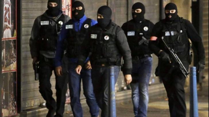 Pericol terorist la Bruxelles. Şase islamişti bănuiţi că plănuiau un atac de Revelion, reţinuţi