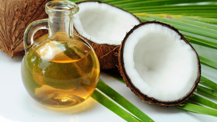 I-a dat zilnic soțului său 2 linguri de ulei de cocos ca să trateze o boală cruntă. Ce s-a întâmplat