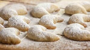 Nu te lăsa păcălit! Care este diferenţa dintre zahăr vanilat şi zahăr vanilinat