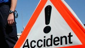Accident grav în Dolj. Trei autoturisme s-au tamponat puternic. Două persoane, rănite