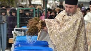 Tradiţii, obiceiuri şi superstiţii de Bobotează / Foto: bacauexpres.ro