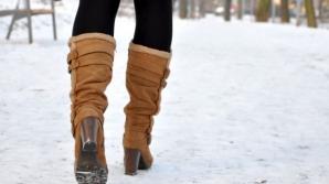 Ce să pui în ghete ca să nu îți mai înghețe picioarele