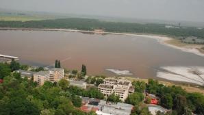 Fenomen extrem la Brăila. Lacul Sărat a îngheţat. Cum a fost posibil