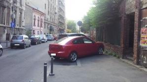 Parcarea pe trotuar, interzisă teoretic