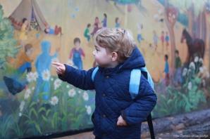 Noi poze cu adorabilul prinţ George, în prima zi de grădiniţă. Este atât de scump!