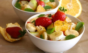 Cea mai bună salată de fructe. Un singur ingredient face diferenţa!
