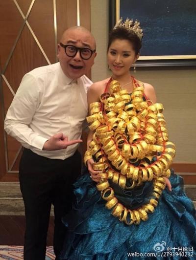 """Aşa arată extravaganţa la o nuntă! Fotografiile cu o mireasă din China şi """"zestrea"""" ei, virale"""