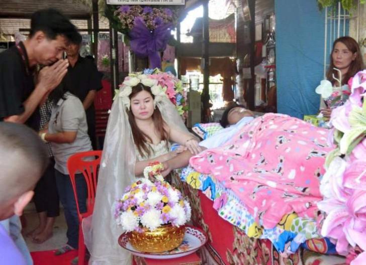 S-a căsătorit cu iubirea vieții ei. Invitații au izbucnit în lacrimi când i-au văzut mirele la altar