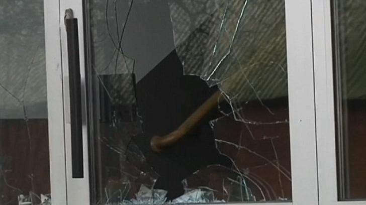 Atac şocant în Suedia: migranţii minori au atacat angajaţii centrului pentru dulciuri