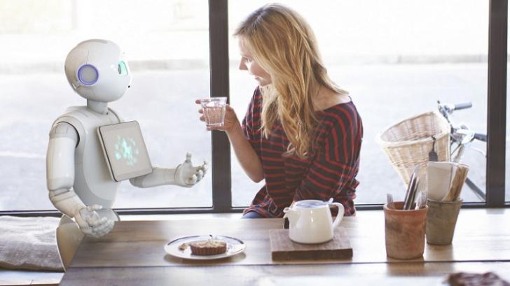 Primul magazin cu angajaţi roboţi