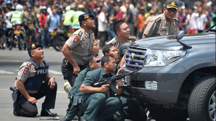 Trei bărbaţi au fost reţinuţi în urma atentatelor de la Jakarta