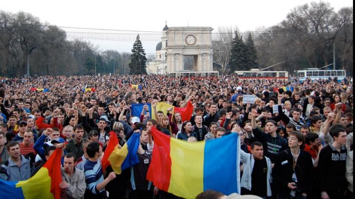 """SRS, despre situația de la Chișinău: """"Oare a intrat SRI în alertă maximă?"""""""