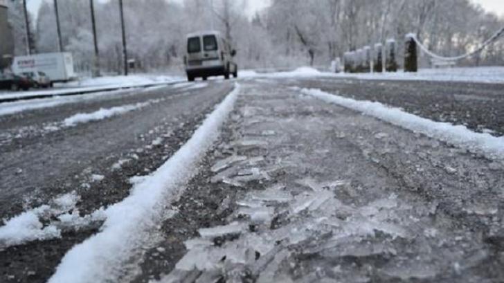 Atenție, șoferi! COD GALBEN de polei în București și 8 județe UPDATE