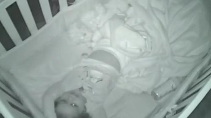Se auzeau sunete ciudate, noaptea, din camera copilului. Au montat un video-cam. ŞOC ce au văzut