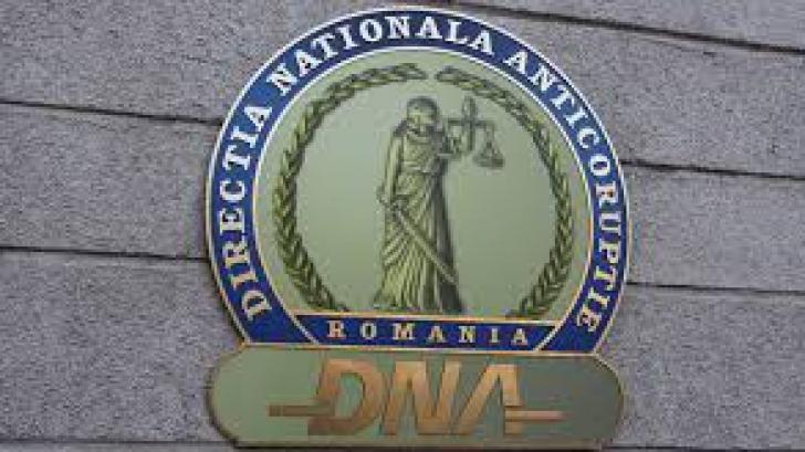 Un inspector ANAF, reţinut de DNA. Câţi bani a luat aceasta mită?