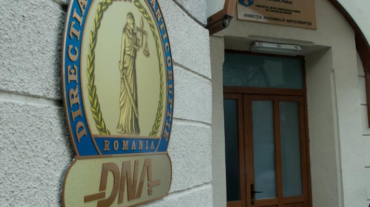 Șeful Poliției Sinaia și un om de afaceri, arestați preventiv