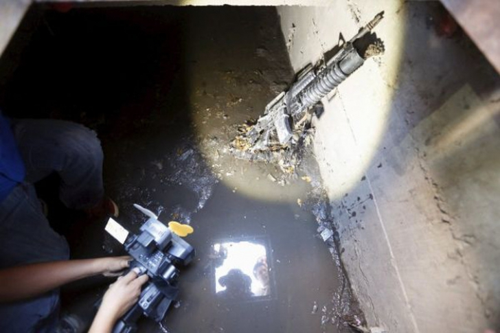 """Imagini incredibile din ascunzătoarea lui """"El Chapo"""". Aici a fost prins regele drogurilor din Mexic"""