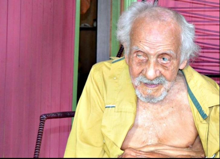 Cel mai bătrân om al planetei are 131 de ani. Vei rămâne șocat când o să-i vezi soția