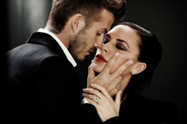 David Beckham şi-a fotografiat soţia într-o ipostază intimă. Fanii, surprinşi