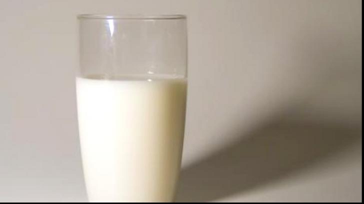 Noi reguli pentru vânzarea laptelui în magazine. Ce va fi menţionat pe ambalaj