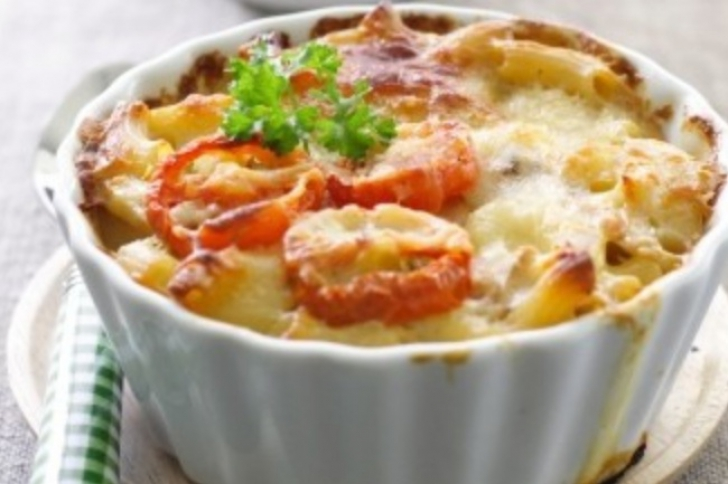 Cea mai simplă reţetă de macaroane cu brânză