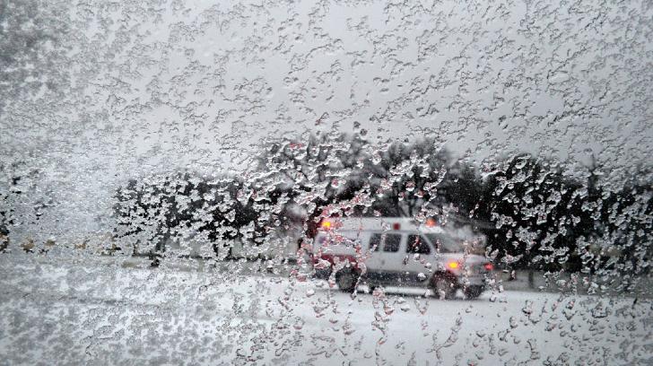 Cod roşu de ninsoare, ploaie îngheţată şi polei în Croația