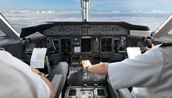 S-a îmbătat, apoi a urcat la manşa avionului şi a decolat. Ce s-a întâmplat apoi cu pilotul