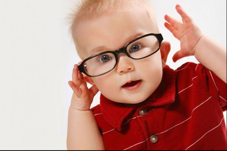 Vrei ca fiul tău să fie un geniu? Uite ce nume trebuie să îi pui la naștere