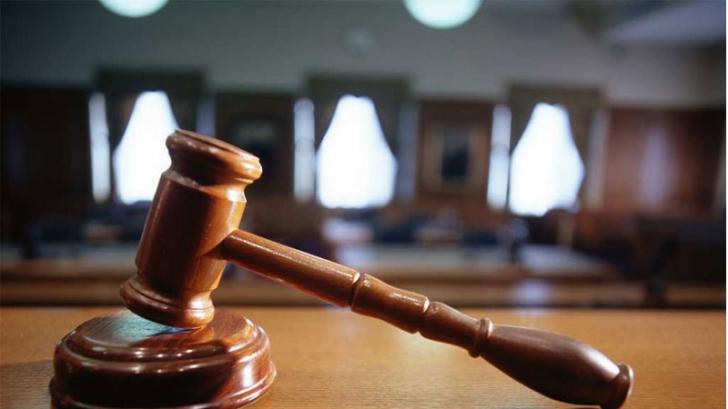 Un medic infectat cu COVID-19 a dat în judecată șase instituții ale statului. Află MOTIVUL