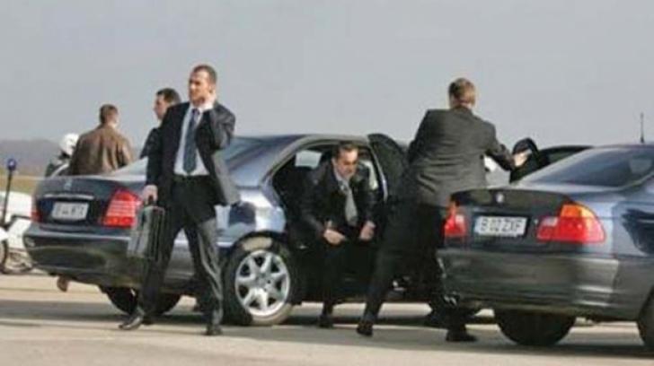 SPP a cumpărat 128 de mașini noi. Cât ne costă luxul escortei demnitarilor