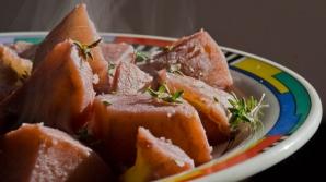 Cea mai bună garnitură: Cartofi în vin roşu