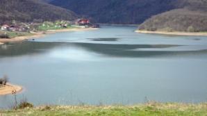 Lacul Cinciș, unul dintre cele mai misterioase locuri din România, bântuit de legende