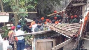 Accident aviatic mortal în Indonezia. Un avion s-a prăbuşit pentru o casă