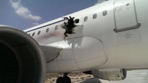 Explozie într-un avion de pasageri, în Somalia. O persoană a murit şi alte 3 sunt rănite