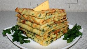 Reţeta zilei: Clătite cu verdeață și cașcaval. Delicioase şi uşor de preparat