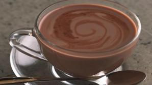 Aşa faci cea mai bună ciocolată caldă din ingrediente sănătoase şi ieftine