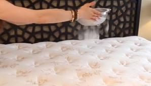 Curăță salteaua de pat cu această soluţie magică. În maximum 30 de minute este ca nouă