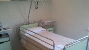 Imagini cutremurătoare. Un spital din Iaşi arată ca o casă părăsită