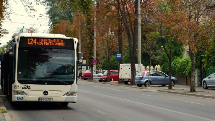 RATB vrea să înlocuiască autobuzele de pe mai multe linii cu microbuze. Ce trasee sunt afectate