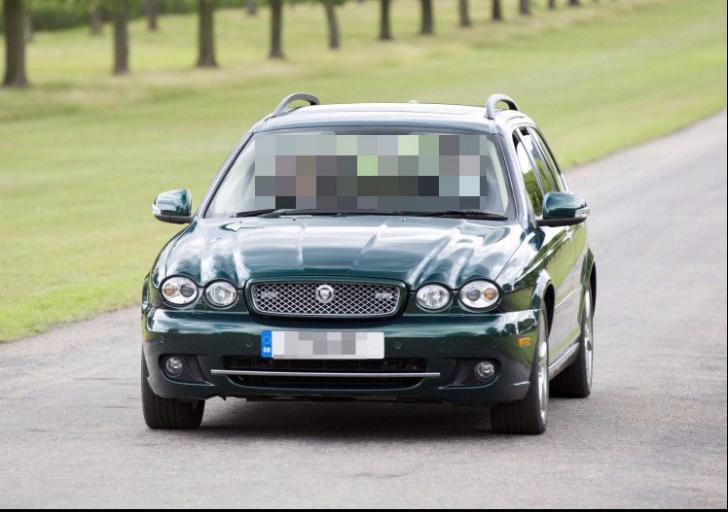 A cheltuit 15.000 de lire pe un automobil clasic. A rămas șocat când s-a uitat în talonul mașinii