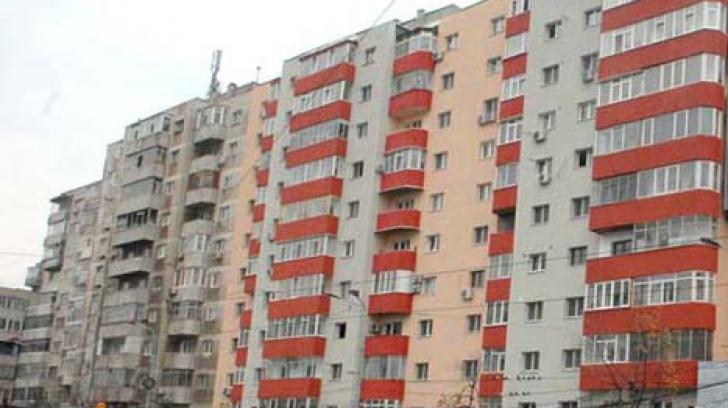Paradox: într-un apartament din Bucureşti locuiesc 3000 de persoane. Majoritatea, din R. Moldova