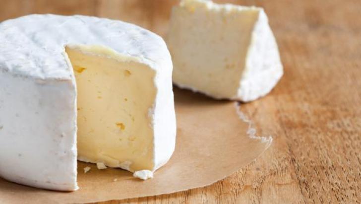 ANSVSA: Bacteria E.coli, găsită în probele de brânză şi pui prelevate din Argeş şi Bacău